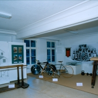 Die Schausammlung wurde bis 2002 gezeigt, danach musste sie abgebaut werden, um einem Depot zu weichen