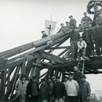 Kirche Knauthain, Wiederaufbau des im Krieg zerstörten Kirchendachs, Richtfest am 8. Dezember 1951